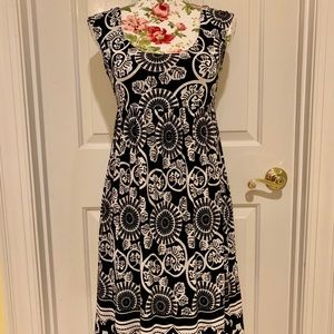 Adorable black & white Donna Morgan dress 8P